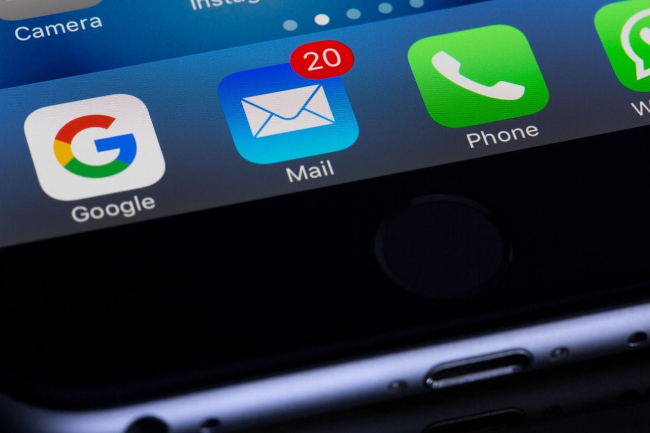 Cómo crear y configurar una cuenta de correo (e-mail)